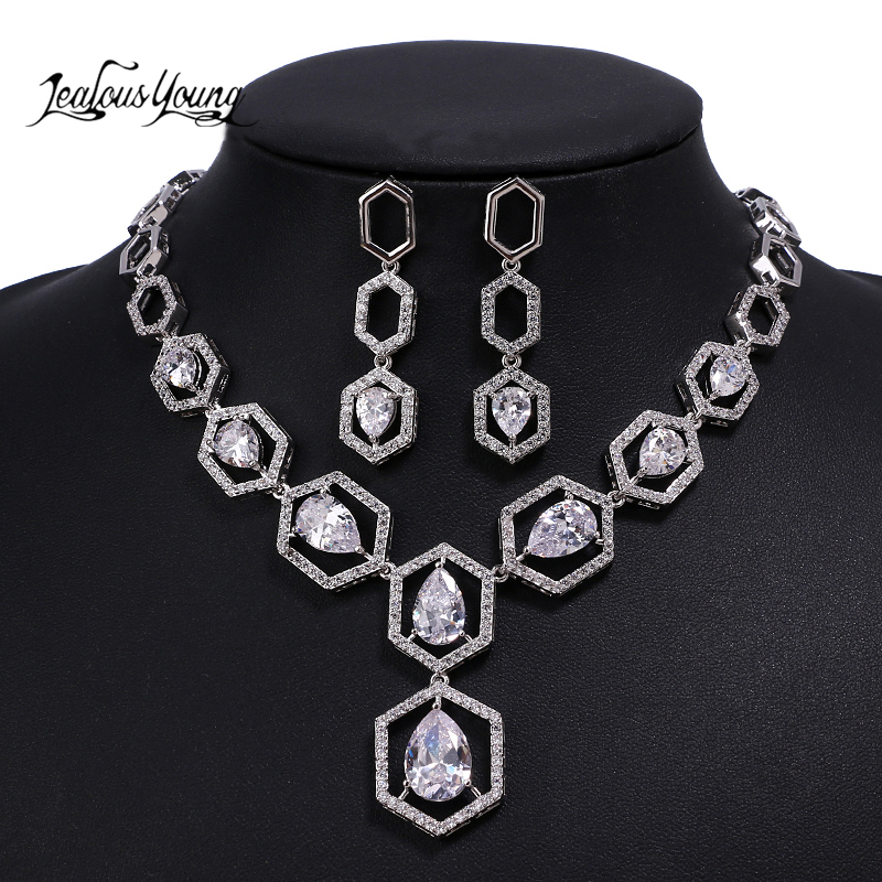 Luxury Hallow Square Zirconia Wedding Jewelry Sets for Women with Crystal Water Drop Jewellery Set for Women Indian Gift SetLuxury Hallow Square Zirconia Wedding Jewelry Sets for Women with Crystal Water Drop Jewellery Set for Women Indian Gift Set