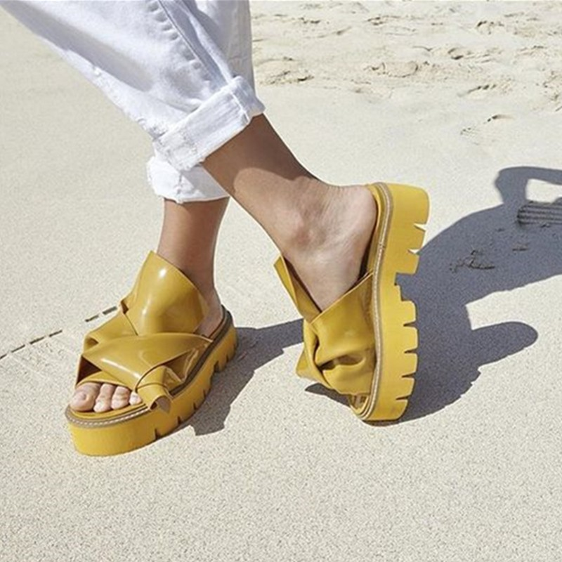 New Hot 2018 Women Rubber Bow Slide Sandals Chic Kartel Peep Toe Knot Platform Shoes Women Luxury Runway Mules Summer Slippers concise platform and bow design slippers for women