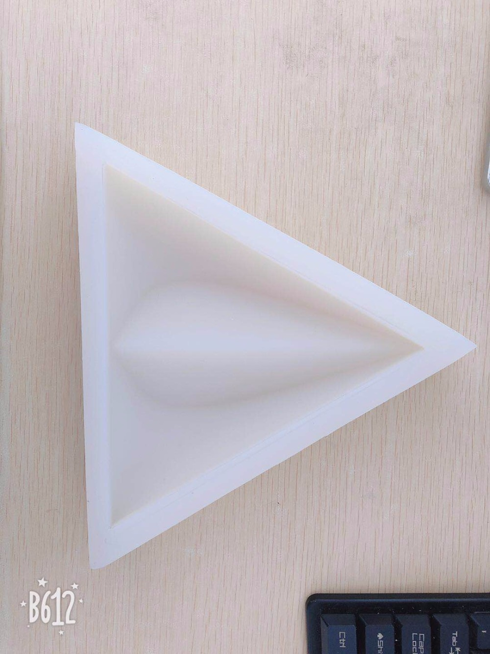 Triangular Form Cement Wall Brick Mold Concrete Tile Mold Simple Design Wall Decoration