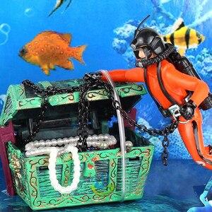 Resin Treasure Hunter Diver Fish Tank Decor Mini Submarine Ornament Aquarium Decoration Underwater Landscape