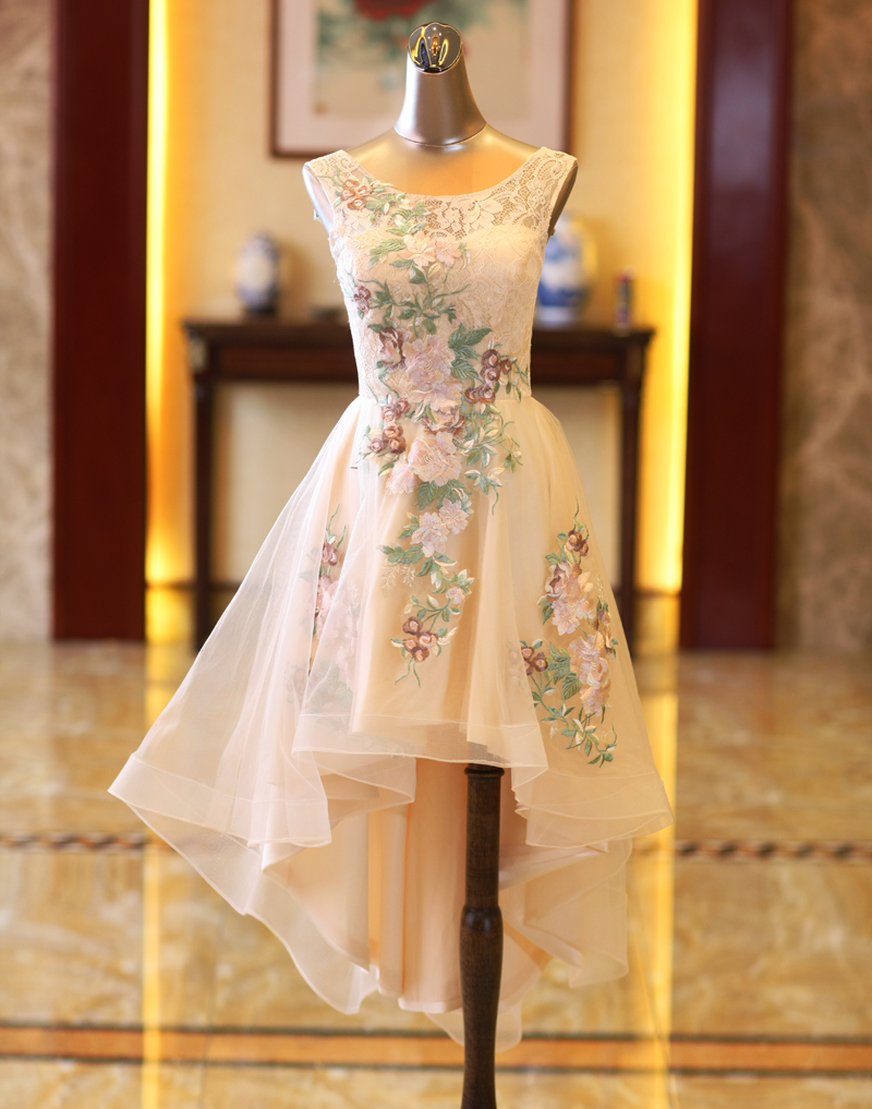 2018 New Stock Plus Size Women Pregnant Bridesmaid Dresses Wedding Party High Low Lace Flower Sexy Romantic Cheap Ivory Dress