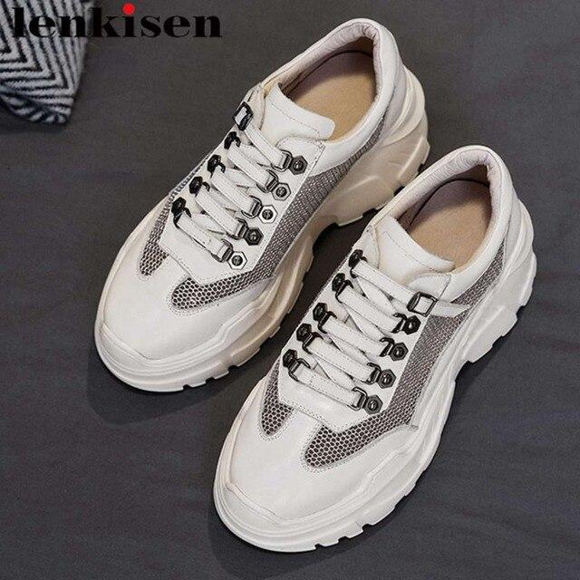 Mesh ventilado Lenkisen estilo punk couro genuíno alta plataforma inferior projeto fivela dedo do pé redondo tênis vulcanizados sapatos L73