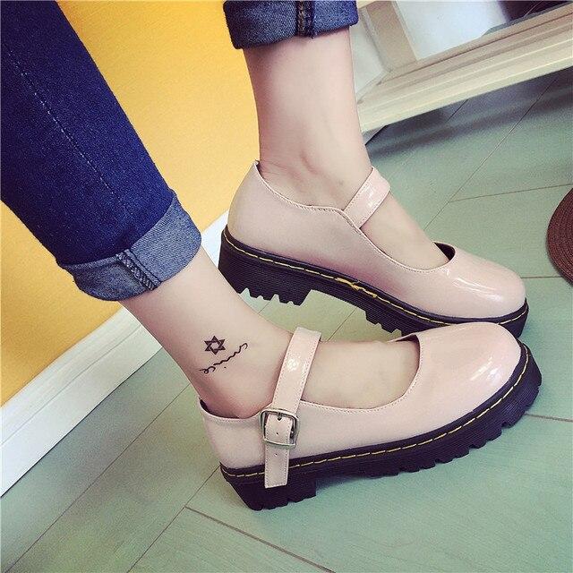 빈티지 라운드 발가락 인형 단일 신발 preppy 스타일 버클 뒤꿈치 여성 패션 신발 패션 작은 가죽