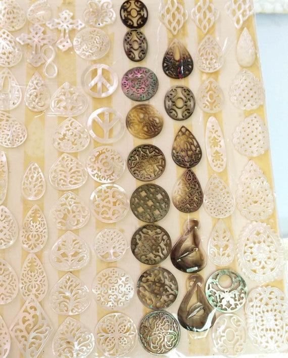 50pcs 18-40mm genuine mother of pearl shell jewelry Mop shell Cross  drop peace micharmed Filigree Pendants