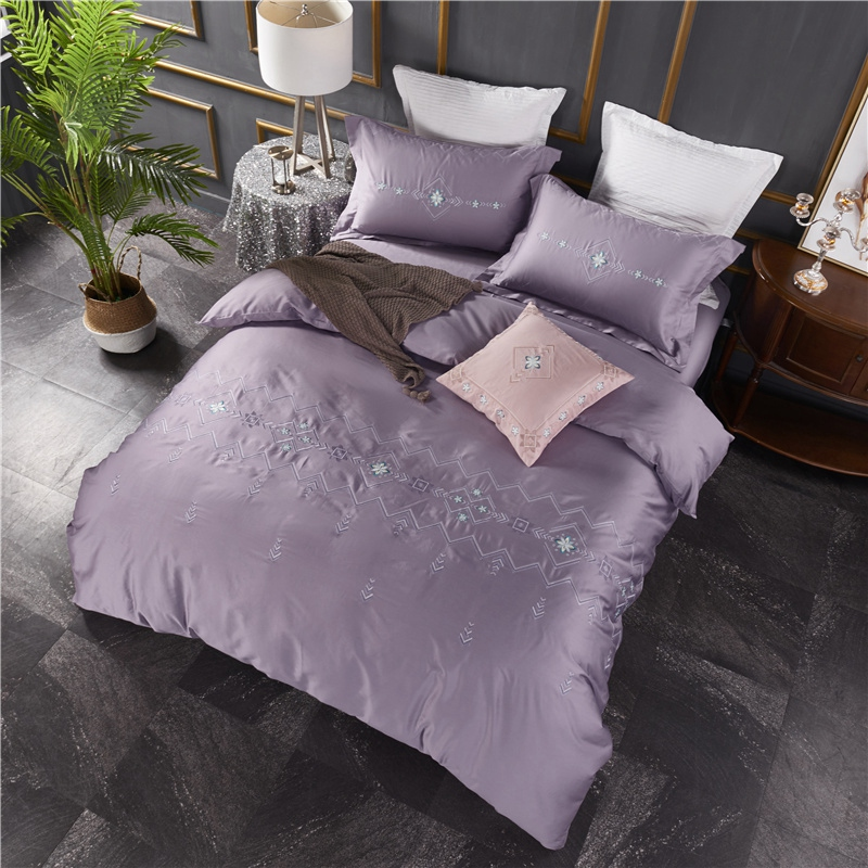 New Long-Staple Cotton European Embroider Bedding Sets Flowers all the way Duvet Cover+Bed Sheet+PillowcasesNew Long-Staple Cotton European Embroider Bedding Sets Flowers all the way Duvet Cover+Bed Sheet+Pillowcases