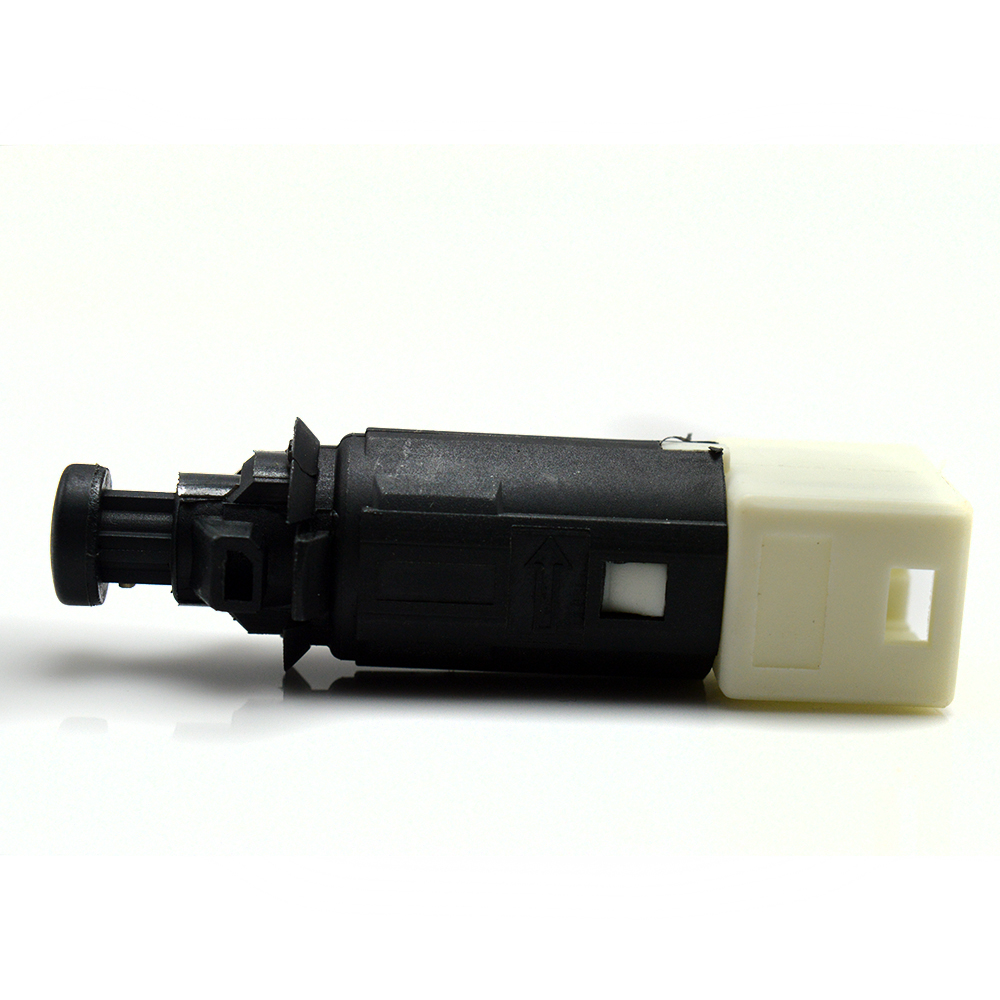 High quality Brake Light Switch For Nissan Primastar Kubistar RENAULT Clio Espace Kangoo Laguna Trafic 7700414988 454 545 02 14