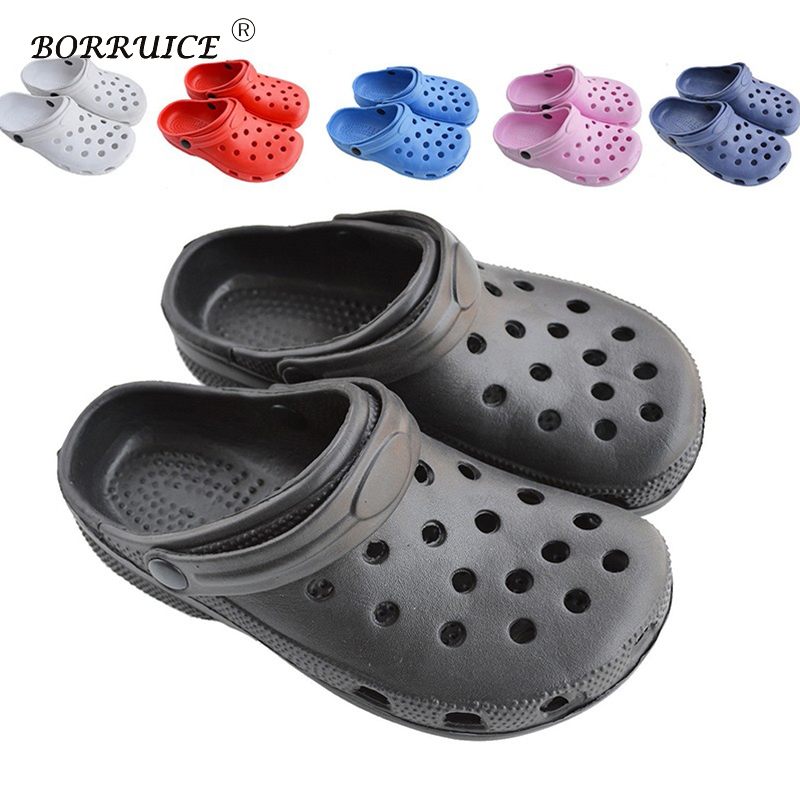Summer Breathable Flip Flops Men&women Simple Beach Hole Slippers Couple Sandals Slip Korean Garden Shoes uexia new men sandals summer style men beach shoes hollow slippers hole breathable flip flops non slip sandals men clogs outside