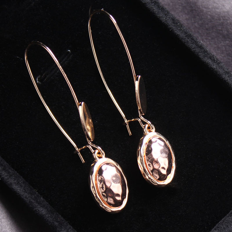 Two Tone Rose Gold Hammered Metal Oval Drop Earrings Fashion Minimalist Korean Chic Wired Romantic Engagement Jewelry WHOMEWHO in Drop Earrings from Jewelry Accessories