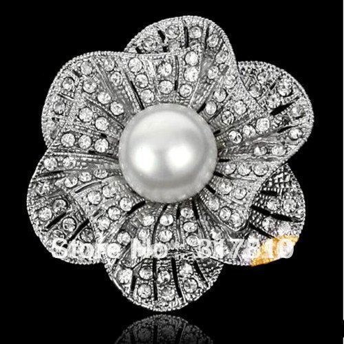 2 Inch Zinc Alloy Rhinestone Crystal Diamante and Pearl Center Flower Bouquet Brooch
