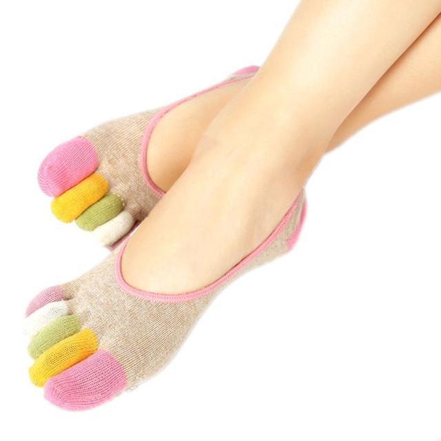 Calcetines suaves antideslizantes coloridos de la yoga