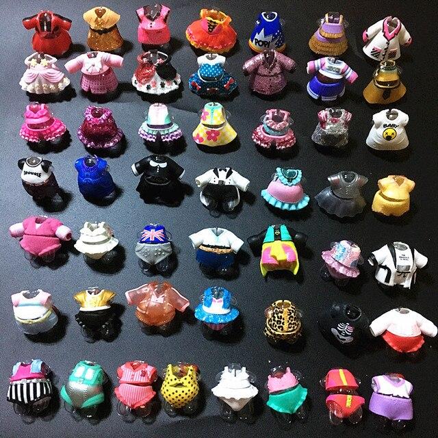 5/10/15/20 pçs/lote Original Mini 2 cm Vestir Roupas para 8 cm Irmã Bonecas Do Bebê DIY boneca de Presente de Natal De Aniversário Do Miúdo Aleatoriamente LOL