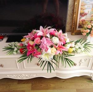 Image 5 - 高級diyの結婚式の装飾テーブルの花ランナー造花行配置テーブルセンターピースローズユリシャクヤクグリーンリーフ