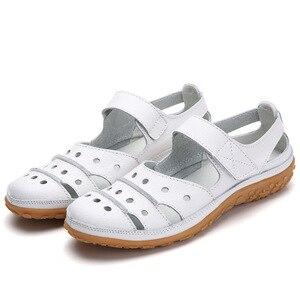 Image 1 - Frauen Sandalen Plus Größe Split Leder Weichen Boden 2019 Sommer Flache Schuhe Frau Freizeit Sandale Cut out Mütter Alias SH060401