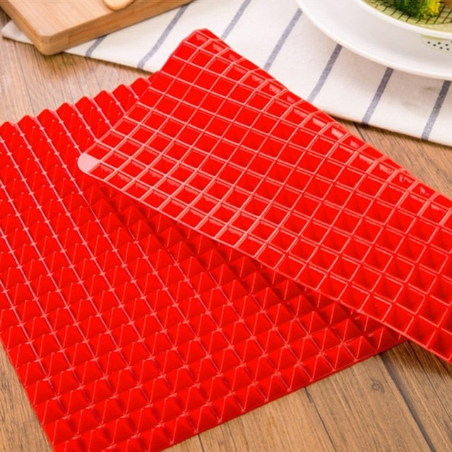 Baking Pyramid Red Silicone Mat