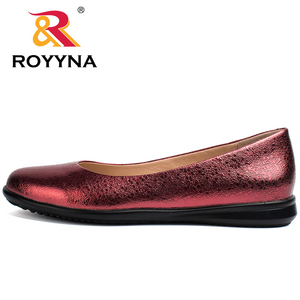 Image 3 - ROYYNA Hot Style Women Flats Round Toe Women Loafers Metal Color Material Female Shoes Light Soft PU Out Soles Ladies Shoes
