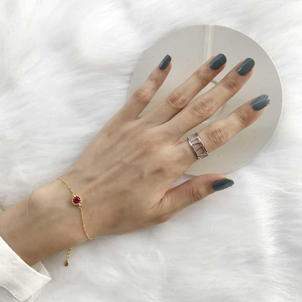 Piccolo Geometrica Rotonda 925 Sterling Silver Rosso Rubino Pietra Preziosa Del Braccialetto 18K Oro Giallo Catena a maglia Delle Ragazze di Nozze Braccialetti Del Wristband