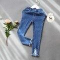 Мода дети джинсы 2016 весна осень дети девушки брюки карандаш брюки разорвал узкие брюки 2-7yrs