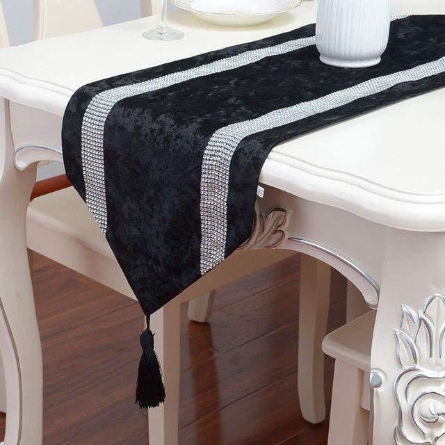 European Luxurious Black Diamond Beads Gift Table Runner Black Velvet  Tablecloth With Diamond