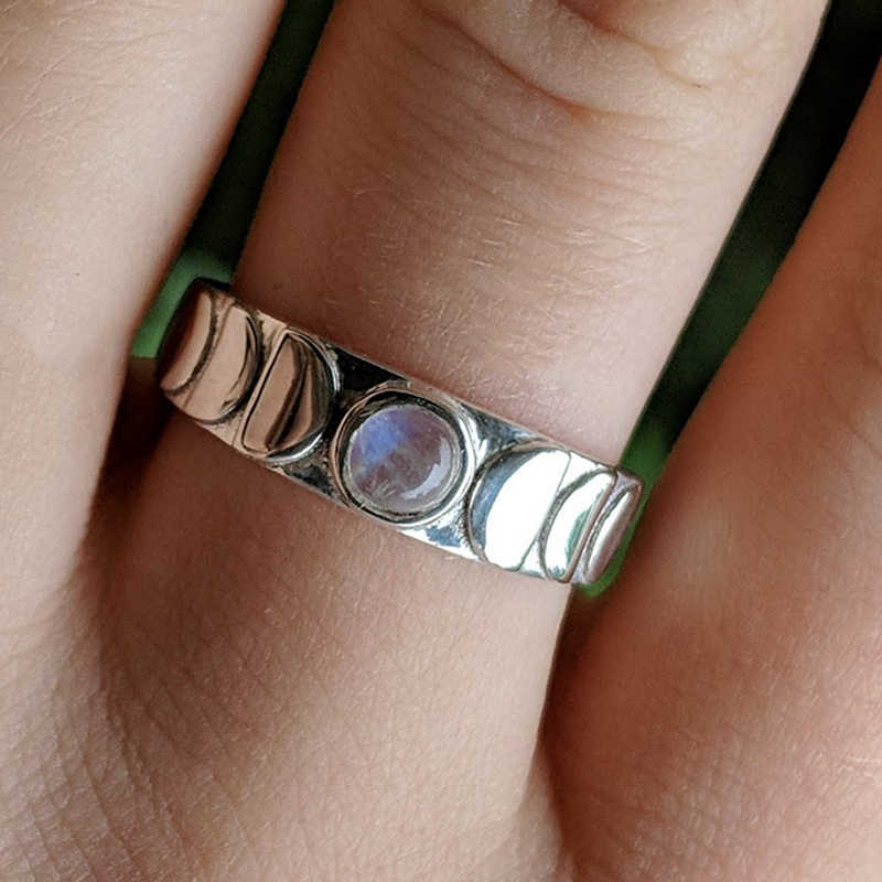 Lovely Female Silver Color Moon Phase Crystal Ring Women Vintage Wedding Band Celestial Jewelry Gift