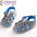 Crianças novas crianças nascidas Sapatos meninos PU cores misturadas fresco e confortável remendo primeiros andadores meninos tênis
