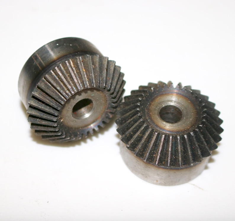 1.5M-30Teeth 1:1 Metal Carbon Steel Bevel Gear 90 Degrees Bevel Gear Transmission-Hole diameter:10mm 4 moudle metal bevel gear 90 degrees one pair 2pieces 1 1 transmission 4m15 teeth