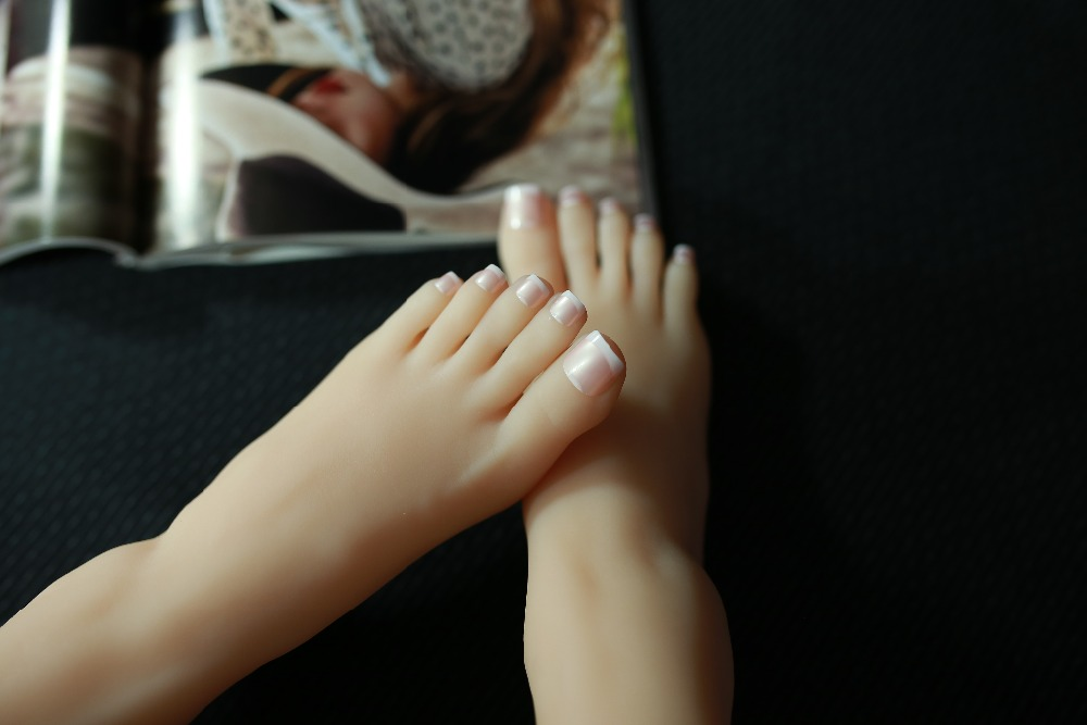 2018 Realistic Sexy Mannequins Female Foot Model Silicone Feet Dummies,mannequin Foot For Display Beauty & Health Sex Toys