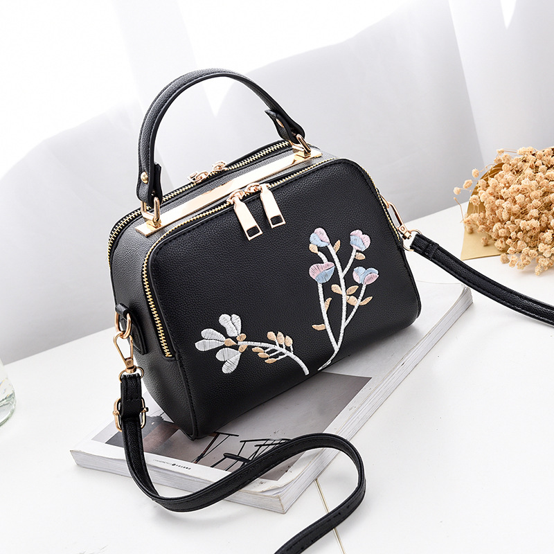 Fashion Women Leather Messenger Bag Flower Handbag Ladies Small Crossbody Bags Women Famous Brands Designers Shoulder Bags Girls baellerry double zipper women business card holder wallet oil wax leather purse female name bank credit cards driver license bag