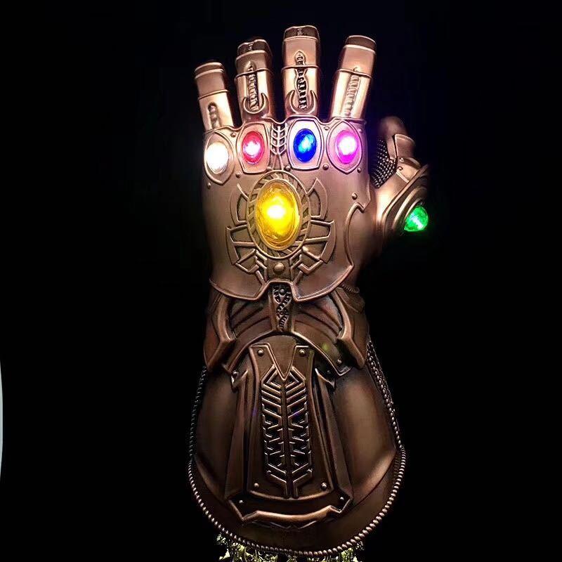 10% rabatt 1:1 Marvel Avengers Unendlichkeit Krieg Unendlichkeit Gauntlet LED Licht Thanos Handschuhe Cosplay Action Figur Kostüm party