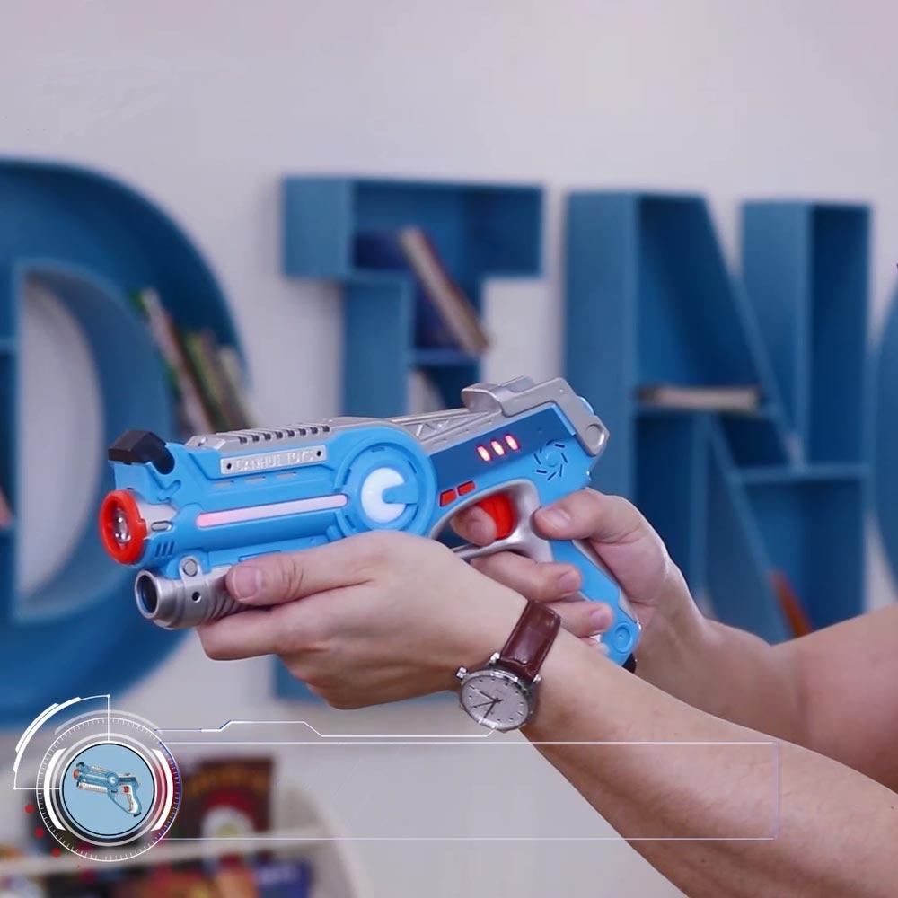 2 pcs Infrarouge Laser Tag Blaster Laser Bataille Pack avec 2 Cible Gilets Intérieur et Extérieur Activité Familiale pour les Enfants et Les Adultes