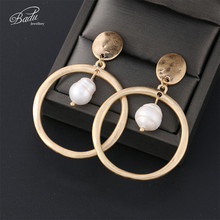 Badu Frosted Gold Earring Women Vintage Fashion White Freshwater Pearl Pendant Dangle Drop Metal Earrings Wholesale