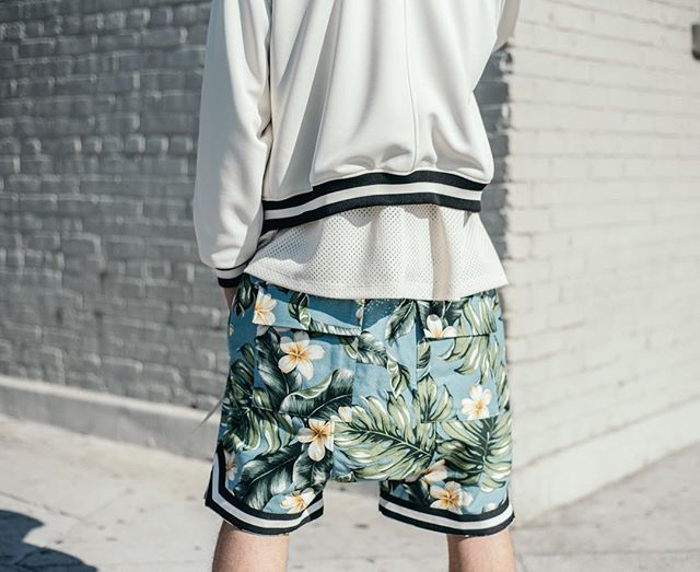 24ad307f2d1 US $35.64 |High quality Men hiphop Hawaii floral print low crotch shorts  men's flowers graphic basketball shorts inside mesh lining-in Casual Shorts  ...