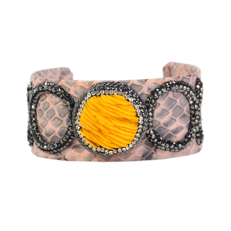 Mixed Color Wide Cuff Bangle Attractive Fossil/Shell/Stone Charms Paved Women Snake Skin Leather Statement Cuff Bangle Femme