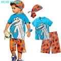 Лидер медведь 2016 Активных мальчиков устанавливает шорты мальчик Мультфильм костюмы летом с коротким рукавом Футболки + плед брюки + шляпа 3 шт. одежда набор