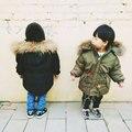 Толстые Зимние детские куртки Девушки Мальчики Пальто С Капюшоном Енот меховой Воротник Дети Верхняя Одежда Хлопка Мягкий Девочка Мальчик Snowsuit