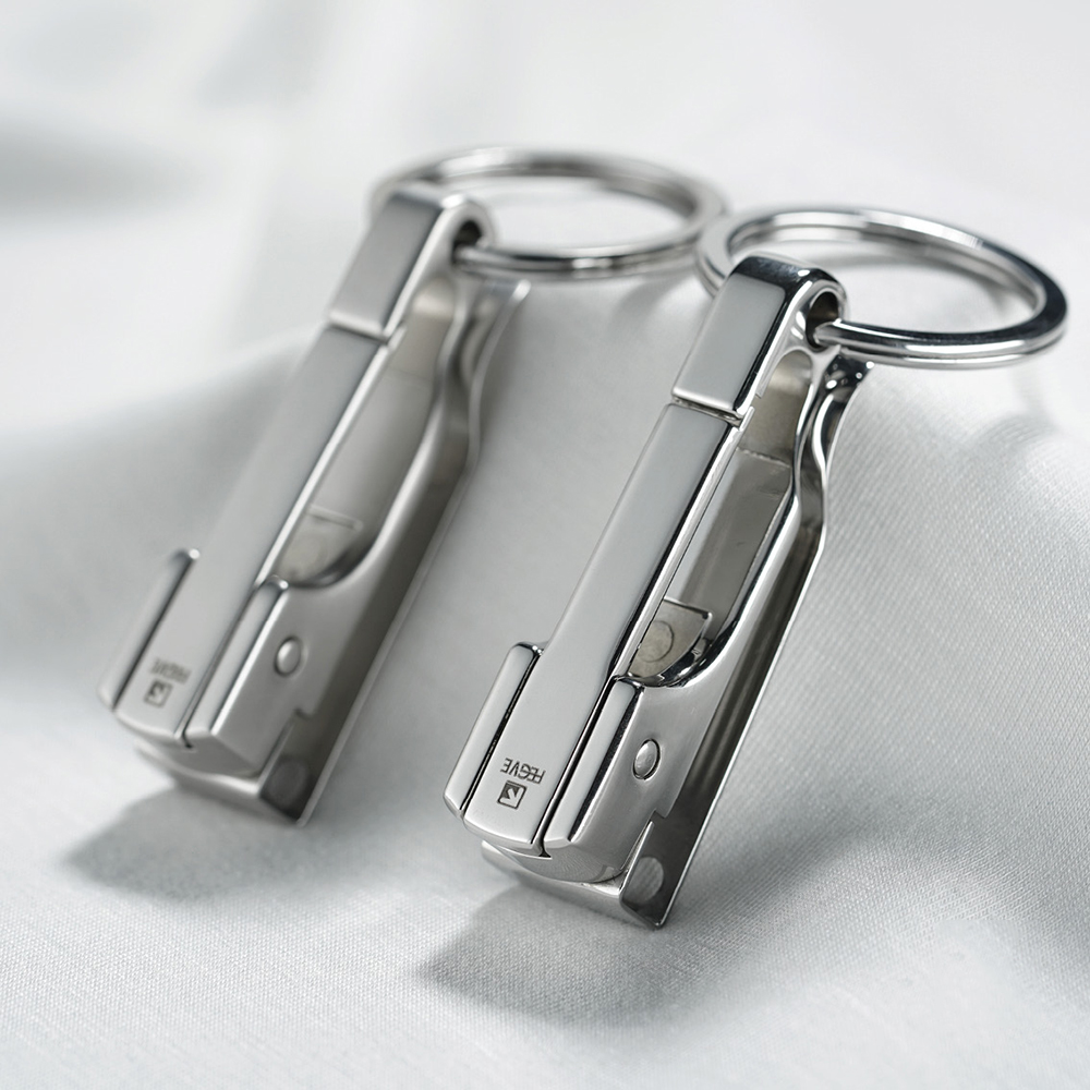 304 Stainless Steel Car Key Chain Belt Waist Hanging Simple High Quality Men KeyChain Buckle Key Ring Holder Fathers Day GiftKey Chains   -