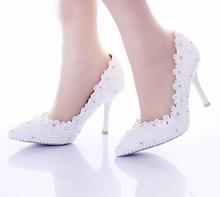 2016 Sexy Stiletto Frauen Prom Party Schuhe Frauen Schuhe pumpen Spitze Blumen Spitz Weiße Perle Hochzeit Schuhe Für braut