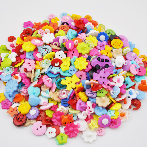 80 pcs  New many styles Plastic the Button/Sewing lots Mix PH80