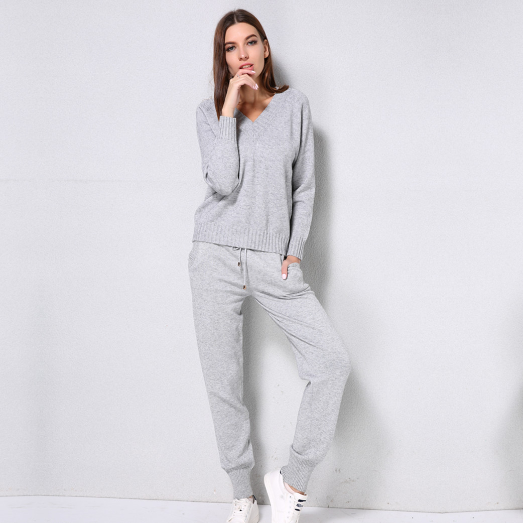 2018 Girl Set Winter Knitted Suit V Neck Sweaters and Pantsuits Women Solid 2 Piece Playsuit Casual Sport Wear Simple Hot Sale