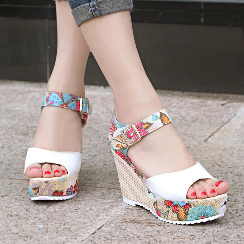 Summer Korean Version Flower High heeled Women s Sandals Girl Bohemia Wedge Heel Cake Shoes Toes
