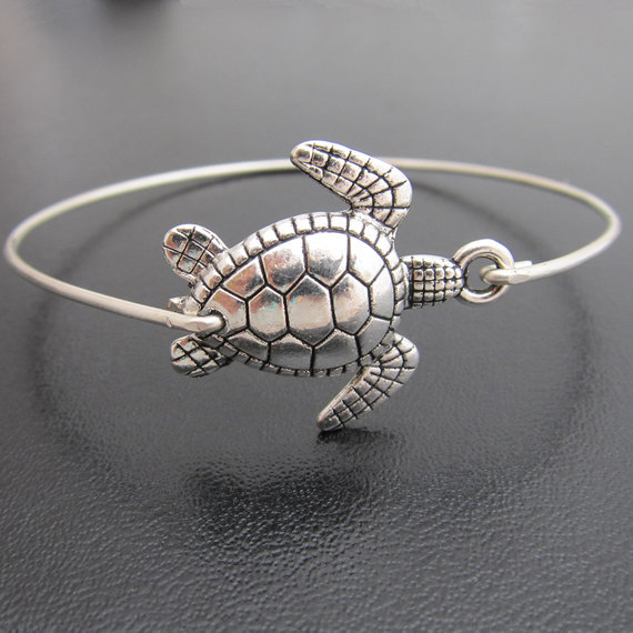 Lovely Sea Turtle Bangle New Arrival Fashion Alloy Animal Bracelets Jewelry For Women Silver Color Yp2428
