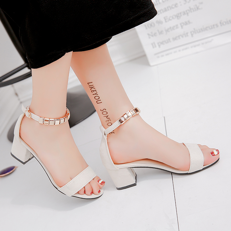 Chaîne en métal perle d'été femmes sandales bout ouvert chaussures femmes sandales talon carré femmes chaussures Style coréen gladiateur chaussures m668 2