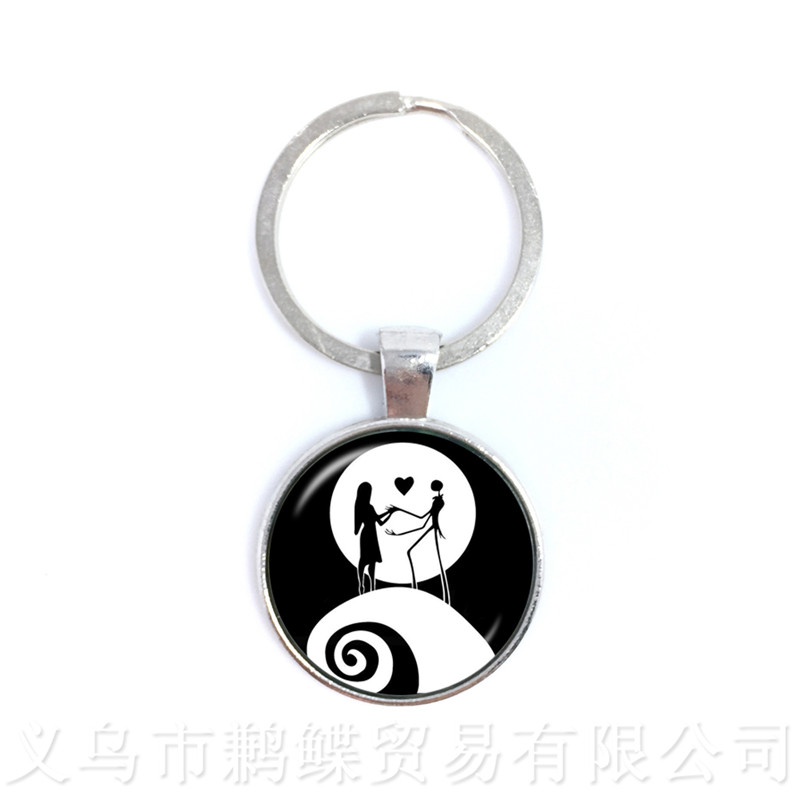 2018 New Jack Skellington And Sally Art Glass Cabochon Classic Keychains Charms Halloween Party Jewelry Keyring For Men Gifts
