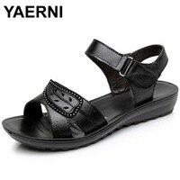 YAERNI 2017 Summer New Fashion Woman Sandals Mother Large Size Flat Leather Sandals Slip Comfort Elderly