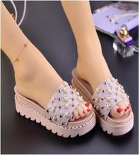 Women Flat Outdoor Beach Slippers Female Rivets Flower Slides Slipper Summer Non slip Platform Shoes Girl Woman Leisure Footwear