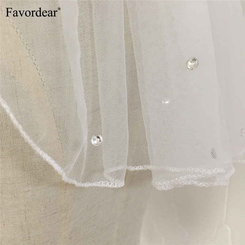 Favordear Cute Single Layer Bridal Veils Light Weight Soft Tulle Crystals White Ivory Shoulder Length Wedding Veil With Comb