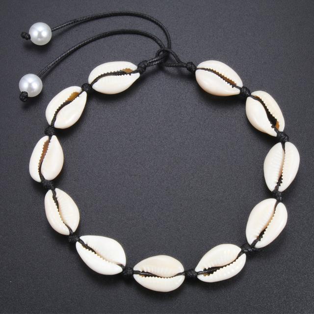 Nuevo collar gargantilla de conchas marinas. Ideal para verano de playa