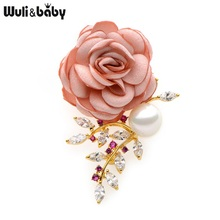 Wuli&Baby  Crystal Simulated Pearl Pink Fabric Flower Brooches Women Elegant Plant Rose Weddings Banquet Brooch