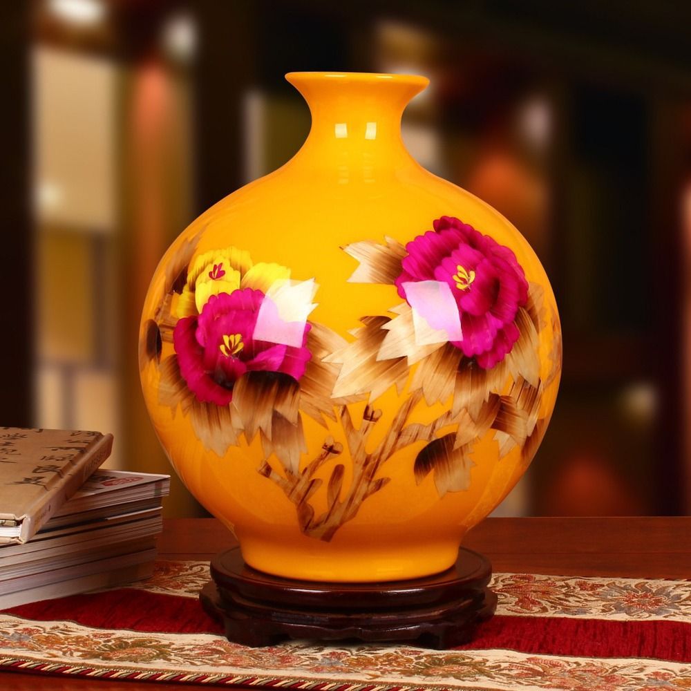 Jingdezhen ceramics factory wholesale peony pomegranate yellow straw vase modern fashion decoration craftsJingdezhen ceramics factory wholesale peony pomegranate yellow straw vase modern fashion decoration crafts