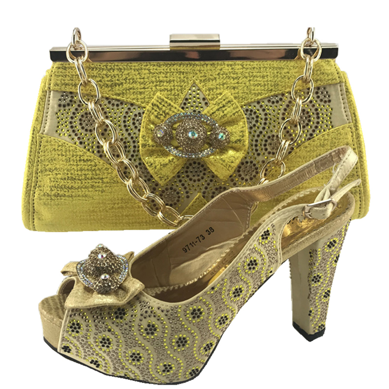 Les Assortis Italie blanc Italien Le Mariage Sac Chaussures Avec Africaines Mis Ensemble Correspondre Pour Sacs À En gold Et Peach pourpre Hq6PxgHwO