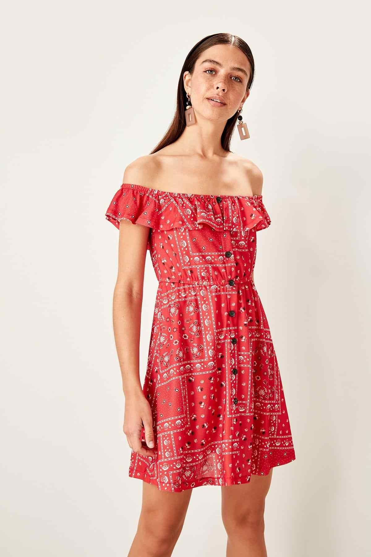 Trendyol красный Кармен воротник узор трикотажное платье TWOSS19ST0144